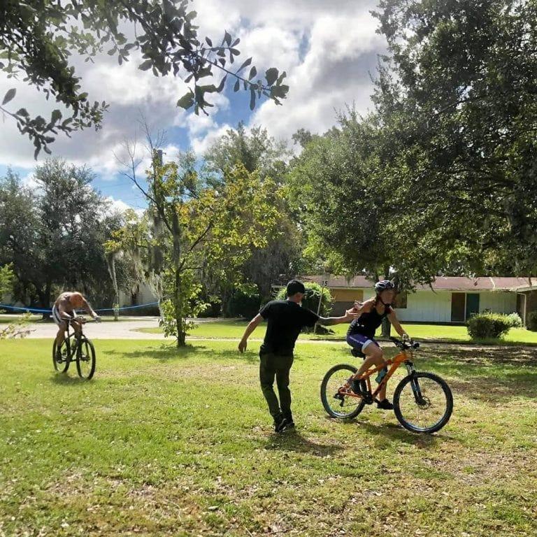 Cyclocross hand up